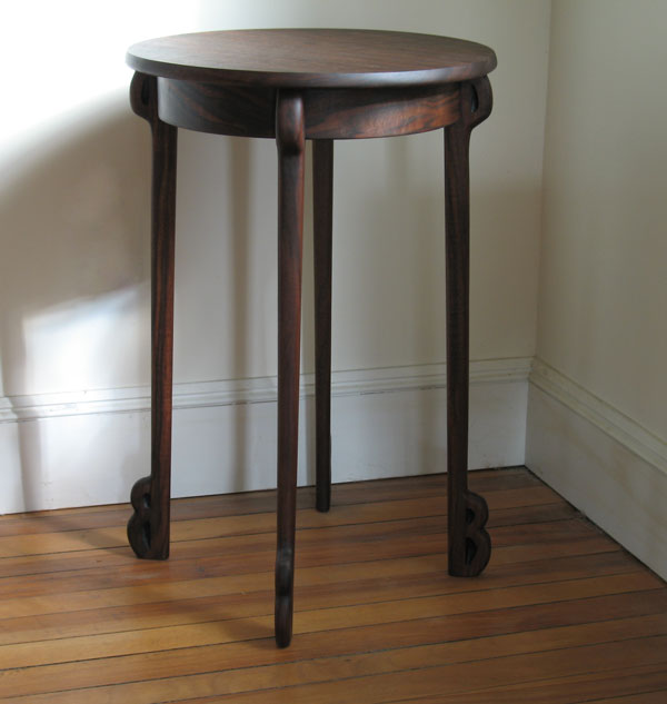 Clarro-walnut-table